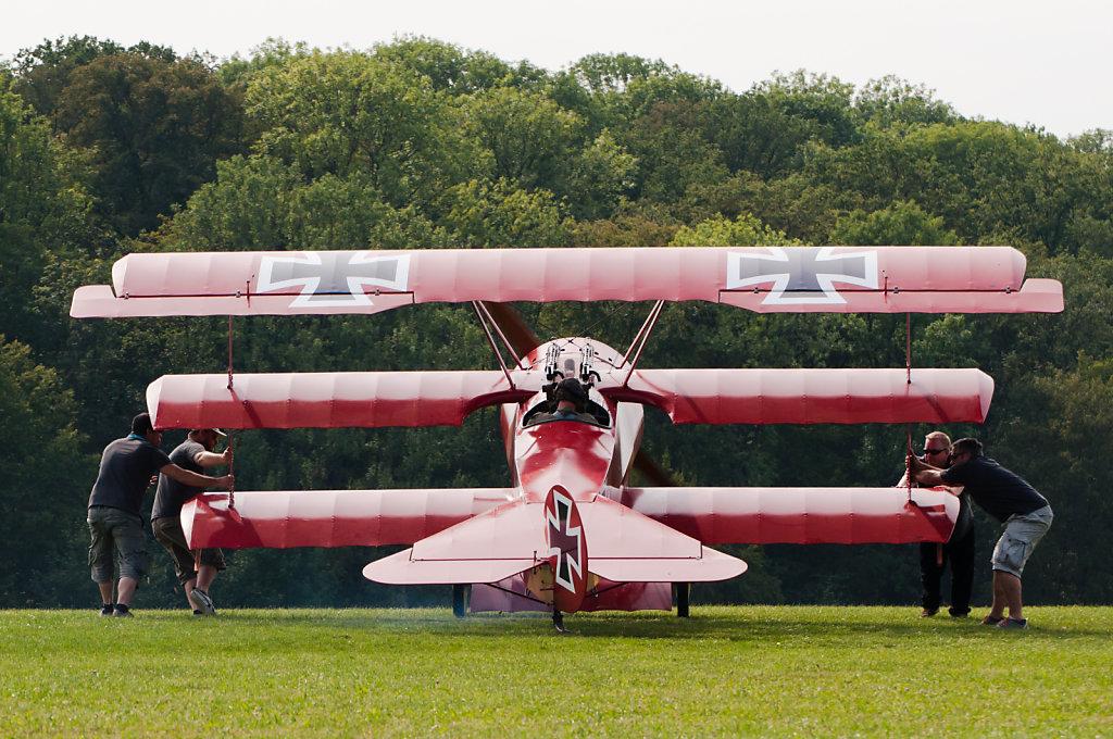 Putting the Fokker Dr.I into position