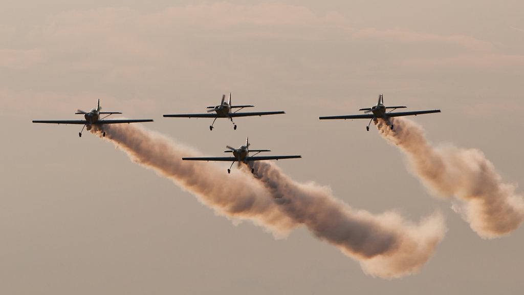 Flying Bulls Aerobatics: 4 × Zlin Z50LX