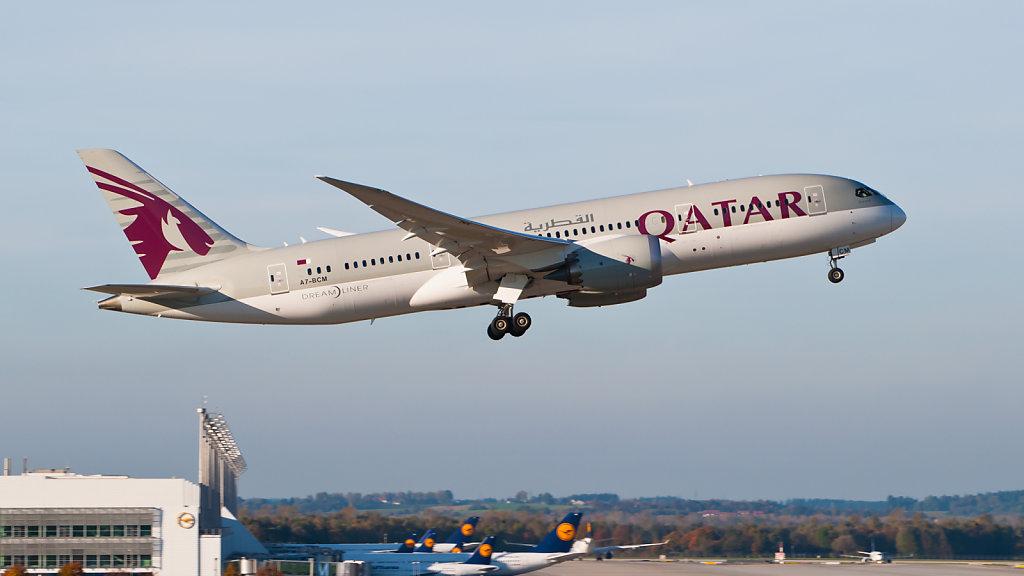 Qatar Airways Boeing 787-8 Dreamliner (A7-BCM) at Munich Airport (IATA: MUC; ICAO: EDDM).