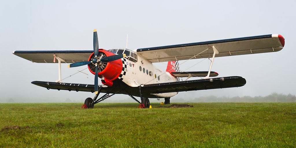 Antonov An-2, Kennzeichen: OK-HFL, C/N:1G21721 - Oldtimer Fliegertreffen Hahnweide 2011 (EDST)
