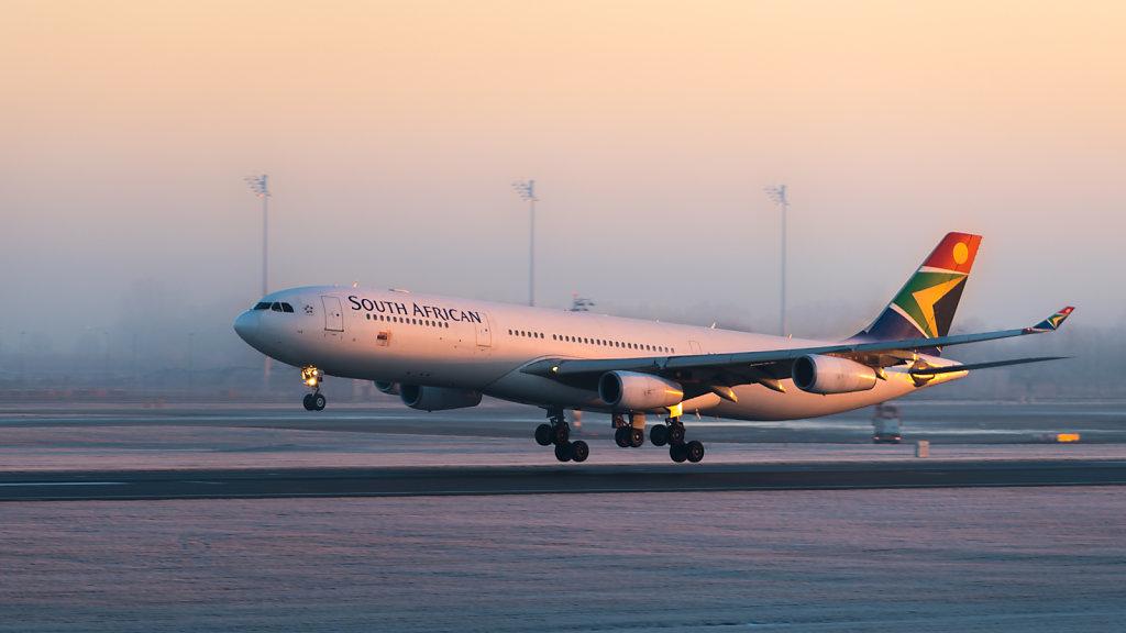 South African Airways Airbus A340-313 (reg. ZS-SXE, msn 646) at Munich Airport (IATA: MUC; ICAO: EDDM).